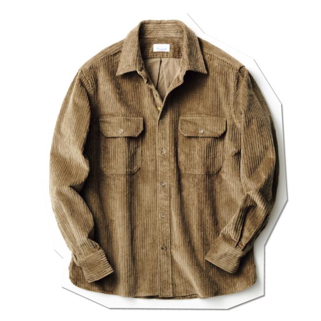 両胸のポケットやボックスシルエット、ハリのある厚手の生地を備えた、アウターがわりに着られるコーデュロイのオーバーシャツ。インナーにニットを合わせた装いもおすすめです。