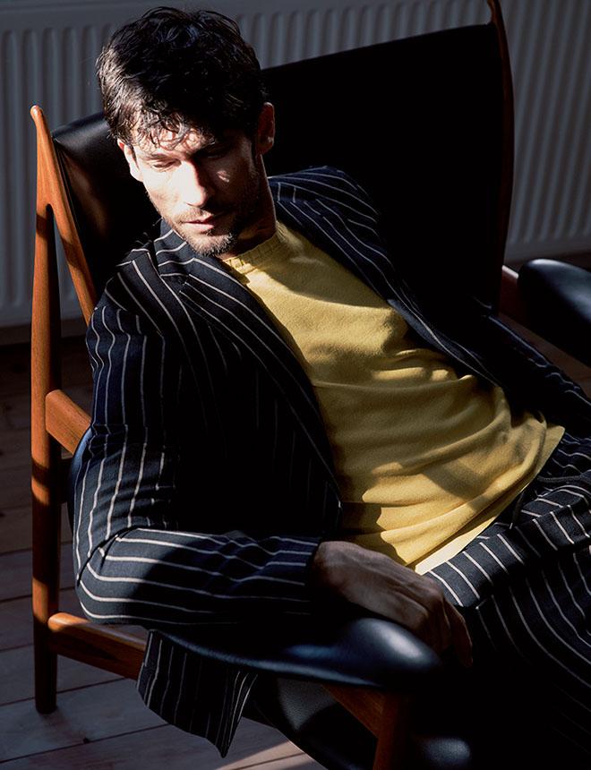 自分に完璧にフィットするお気に入りの一着は、理想的な体形を維持するためのものさしになっています。 上野金太郎