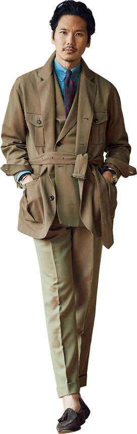 ミリタリー由来のソラーロ生地と骨太なサファリジャケットが織りなす新鮮な装い